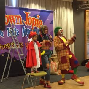 Sinterklaasshow van Clown Jopie en Tante Angelique inhuren