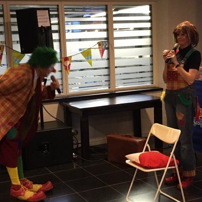 Clown Jopie en Tante Angelique op Sinterklaasfeest