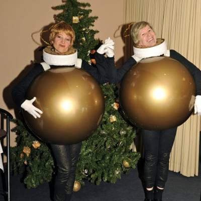 Foto van Levende Kerstballen | Artiestenbureau SintenKerst.nl