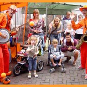 Dixie Duo Swing 'n Roll Oranje Supporters inhuren?