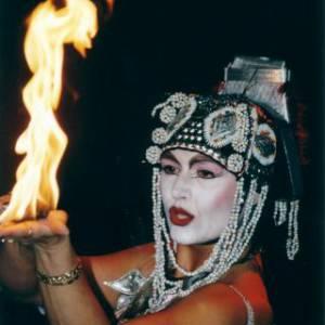 Kitty Hagen - Fireshow inhuren?