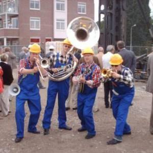 Swinging Dixieband - Bouwvakkers inzetten?