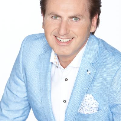 Download promotiefoto van Presentator Jeroen van den Berg