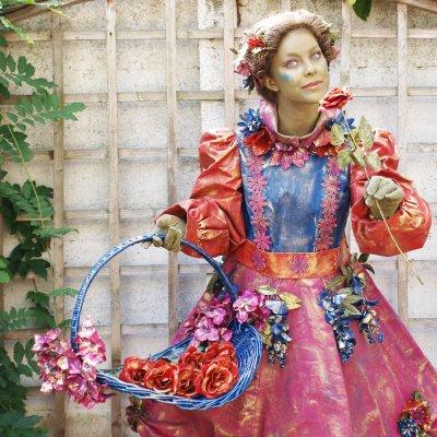 Download promotiefoto van Levend Standbeeld - Bloemenpracht